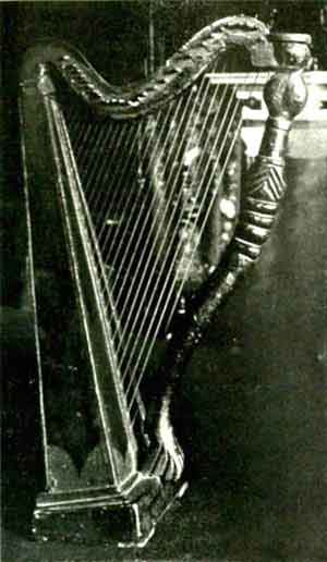 The harp belonging to Lord Llangattock